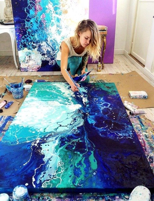 Fluid Art Tutorial: How to Do Acrylic Pouring - image5