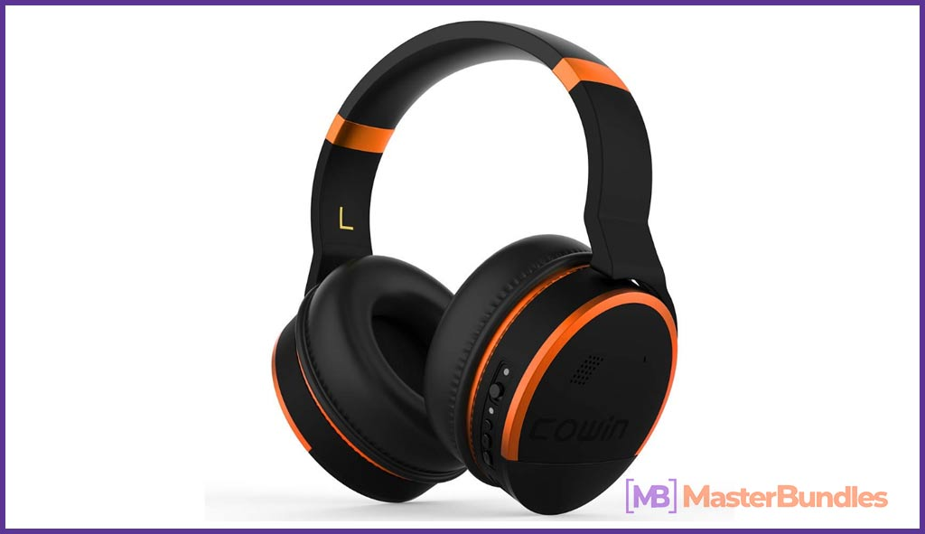 Noise canceling headphones Valentine's Day 2021 Gifts for Nerds