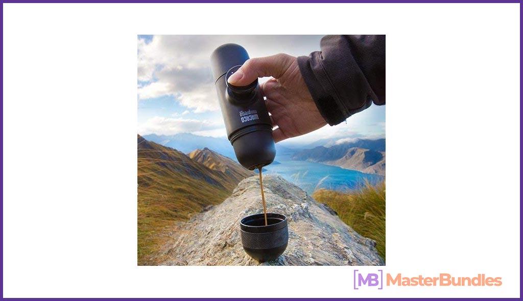 Portable espresso machine Valentine's Day 2021 Gifts for Nerds