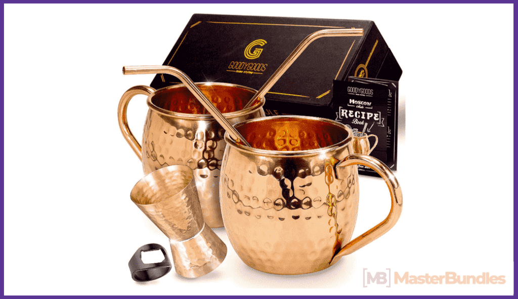 Luxury coffee cups in gold color.