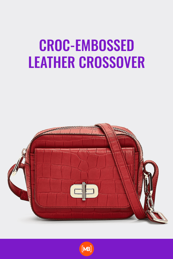 Handbag in red crocodile print leather.