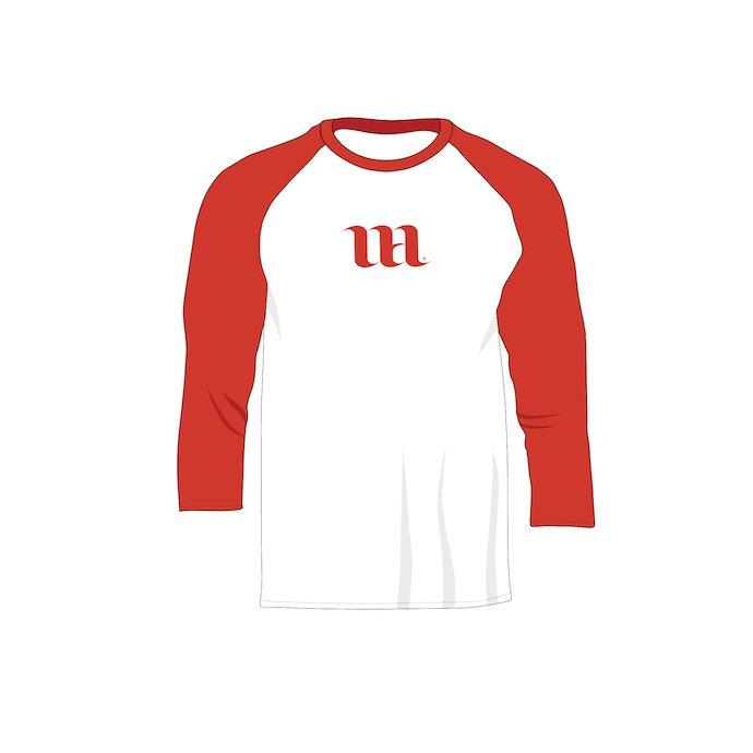 Red raglan men's 3/4 sleeveshirt with logo.