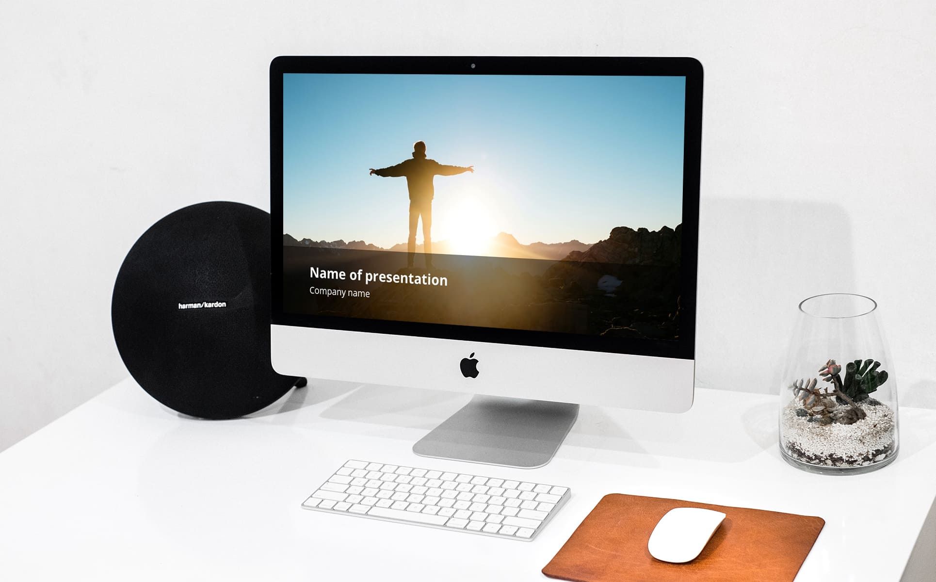 here i am to worship powerpoint background_A PC on the white background