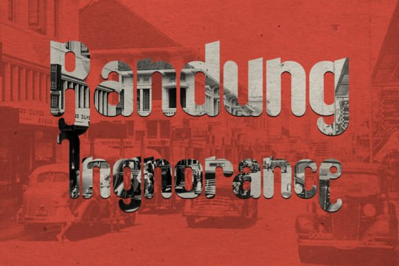 This is an atmospheric font in vintage style.