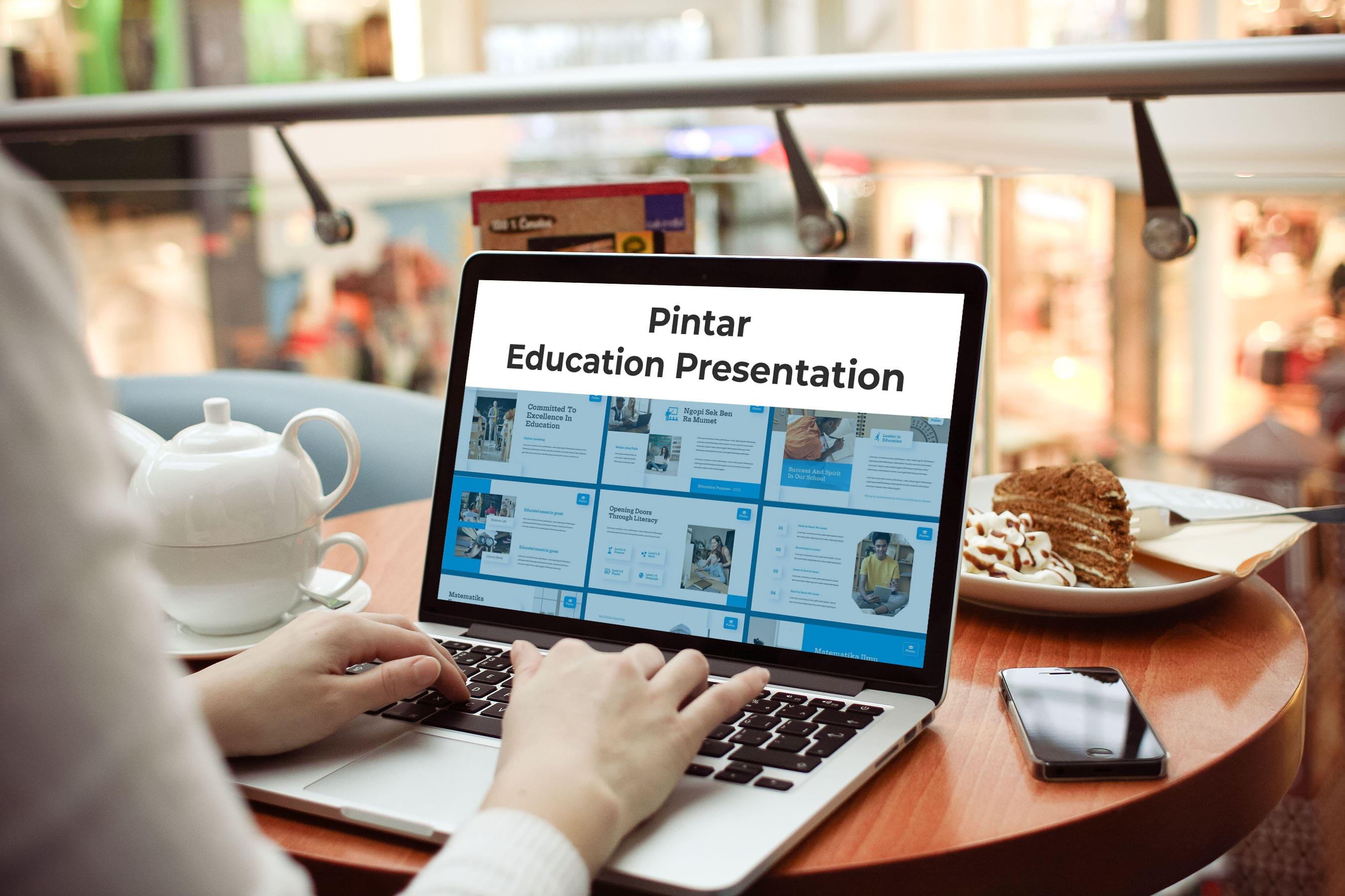 Pintar presentation on the laptop.