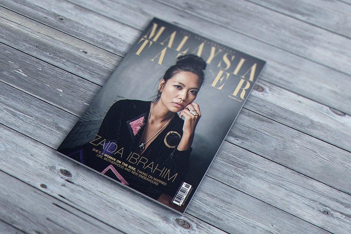 29 Magazine Brochure MockUps (.PSD) + 20 Background Textures. Best Price! - 003