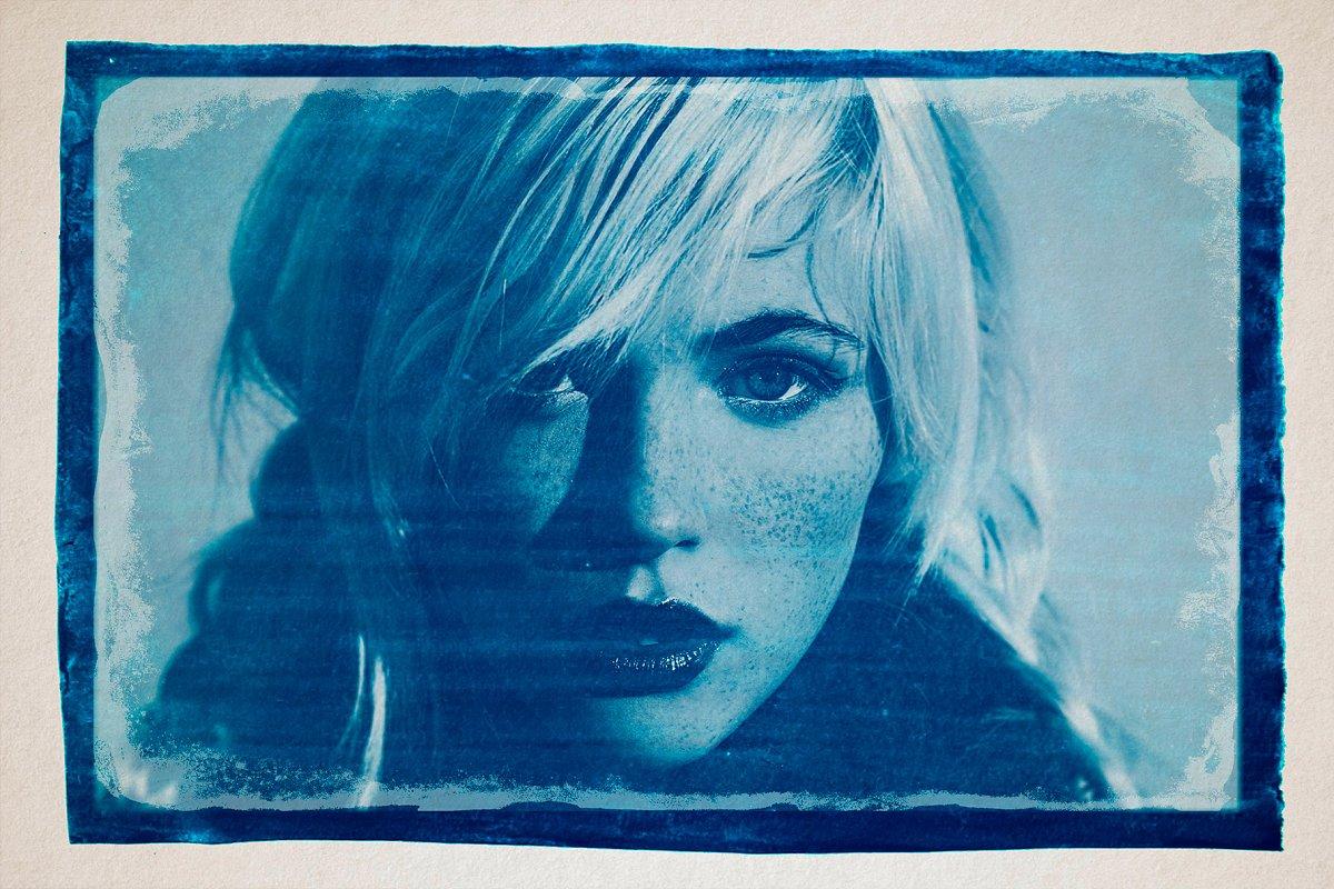CYANOTYPE Digital Photoshop Effect - cyanotype photo template 2