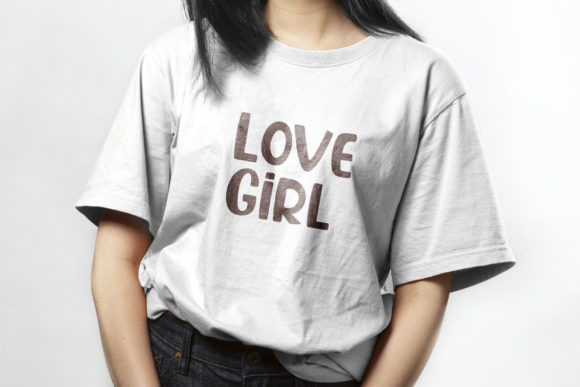 Oversized gray women's T-shirt with brown lettering.